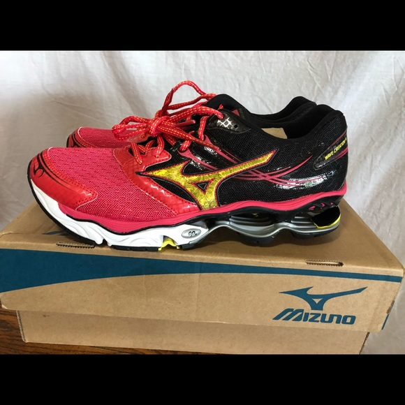 mizuno wave creation size 14